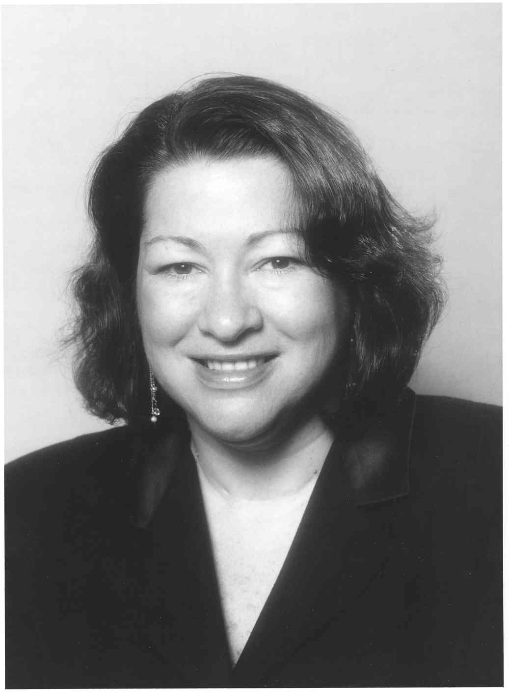 sonia sotomayor Sonia sotomayor (2009-present) recent decisions by justice sotomayor biographical data birth, residence, and family sonia sotomayor, associate justice of the united states supreme court, was born in bronx, new york, on june 25, 1954.