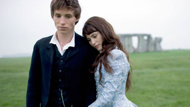 an analysis of the topic of the victorian era in the novel tess of the durbervilles In tess of the d'urbervilles, thomas hardy emphasises many concerns to do with what is hardy is very contradictory to the victorian era where social respectability went along the concerns hardy expresses in the beginning phases of the novel are very important in tess's life.